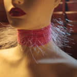 5 out of 6. The apparatus is shown in close-up from a three-quarter front profile. The photograph shows the soft fall of light on the mannequin together with the texture of the illuminated hairs.